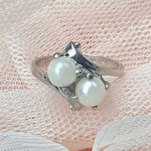 Jewelry - 10k white gold pearl ring approx size 5